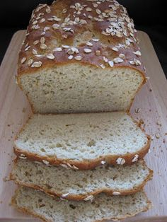 """ Gluten-free breads are delicious, healthy and easy to make. Check out these 40 delicious gluten free bread recipes. I want to try Read more: 40 Delicious Gluten Free Bread. Gluten Free Cooking, Gluten Free Desserts, Vegan Gluten Free, Paleo, Millet Bread, Millet Flour Bread Recipe, Bolo Fit, Gluten Free Oatmeal, Allergy Free Recipes"