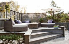 En trapp opp til sittegruppen tar plass, men er fin for å avgrense ulike soner . Outdoor Spaces, Outdoor Living, Outdoor Decor, Fiordo De Oslo, Back Gardens, Outdoor Gardens, Scandinavian Garden, Appartement Design, Contemporary Garden