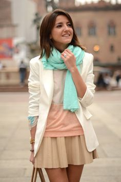 Love the pairing of the pastel outfit with the soft turquoise accents