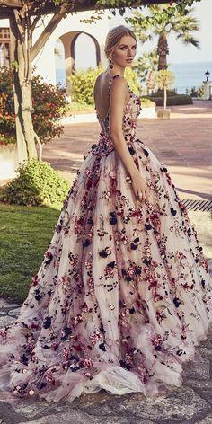 Wonderful Perfect Wedding Dress For The Bride Ideas. Ineffable Perfect Wedding Dress For The Bride Ideas. Unique Dresses, Elegant Dresses, Pretty Dresses, Different Color Wedding Dresses, Colored Wedding Gowns, Floral Formal Dresses, Wedding Dresses With Color, Floral Dress Outfits, Moda Floral
