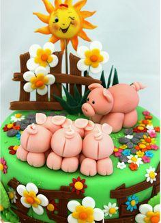Piggy birthday cake