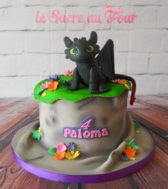 Toothless cake for a little girl. All edible