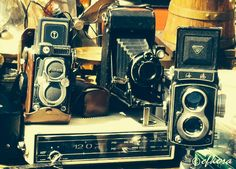 Antique cameras for antique lovers! Monastiraki flea market in Athens, GR. #artphotography #travel #photography #antiques #cameras #athens #greece
