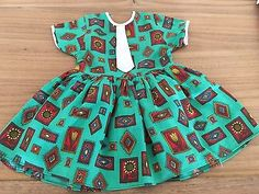 Schoene-alte-Puppenkleidung-suesses-Puppenkleid-50er-60er-Jahre