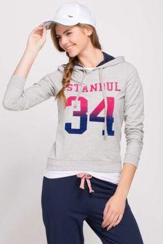 Bence bayramda giyebilceğim mükemmel bir sweatshirt :)