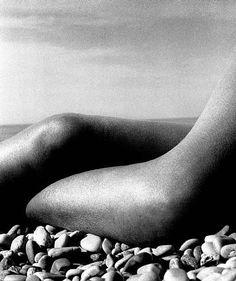Bill Brandt, Nude 2, Baie des Anges, France, 1959