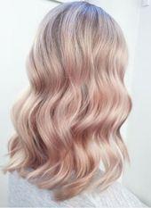Haarfarben-Trends Das sind die Looks, die jetzt ALLE wollen! Blond Rose, Brown Blonde Hair, Rose Gold Hair Blonde, Green Hair, Pink Hair, Color Rubio, Rose Hair, Hair Highlights, Silver Highlights