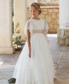 Girls First Communion Dresses, Girls Pageant Dresses, Dresses Kids Girl, Flower Girl Dresses, Flower Girls, Party Dresses, Diy Fashion Dresses, Confirmation Dresses, Wedding Dresses For Kids