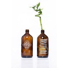 Garrafa Âmbar 1L R$ 65,00 http://www.casaquetem.com.br/collections/sala-quarto/products/garrafa-ambar-1l?variant=6935005249