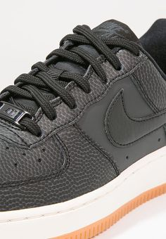 Nike Sportswear AIR FORCE 1 '07 SEASONAL - Trainers - black/anthracite/sail/medium brown for £51.99 (01/02/17) with free delivery at Zalando