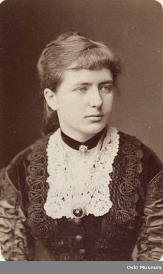 Nora, Mrs. Linde Modern day hairstyles-Elvsted - Gunhild Gude  Oslo, Norway  1860-1899