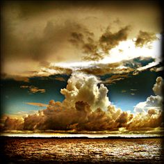 Strange clouds: real awareness isn't about hanging on to the moment, but simply recognizing it's there.