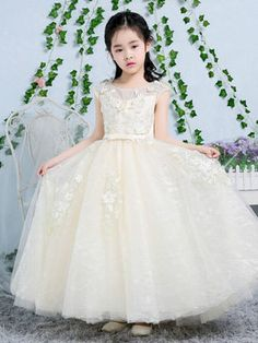 White lace party dress, kids wedding long dress 2017 with free shipping #jollyhers #wedding #partydress Lace Party Dresses, Girls Party Dress, Flower Dresses, Prom Dresses, Pretty Clothes, Pretty Outfits, Wedding Scrapbook, Wedding With Kids, Children Clothing