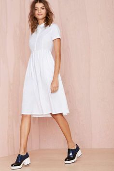 ** This is such a cute summer white dress, but bitch, comb your damn hair. And those black nurse shoes? No.