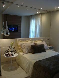 espelho atras da cama - Pesquisa Google Bedroom Sets, Dream Bedroom, Home Bedroom, Bedroom Decor, Home Decor Hacks, Home Office Decor, Little Houses, Luxurious Bedrooms, Beautiful Bedrooms