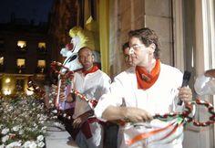 Le chanteur Francis Cabrel en 2005 French Man, Plus Belle, Point, Jackets, Singer, Music, Dance In, Crosses, Life