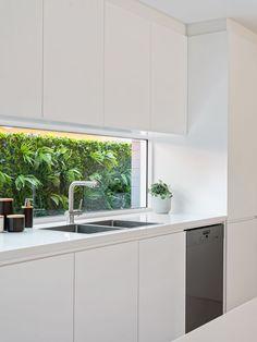 New Kitchen Designs, Kitchen Room Design, Modern Kitchen Design, Home Decor Kitchen, Kitchen Living, Home Kitchens, Kitchen Layout, Small Modern Kitchens, Kitchen Cabinetry