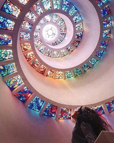 31 Surreal Places In Dallas You Won't Believe Really Exist Glory Window Texas Vacations, Texas Roadtrip, Texas Travel, Travel Usa, Family Vacations, Romantic Vacations, Japan Travel, Family Travel, Dallas Things To Do