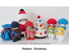 Pattern Christmas, miniature doll amigurumi crochet, Santa Claus, Snowman, Snowfamily, Christmas tree, Kids doll - pinned by pin4etsy.com