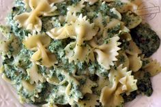 Pasta with spinach - Flavors on the plate - Obiady - Makaron Spinach Pasta, Mac And Cheese, Broccoli, Cauliflower, Plates, Meals, Vegetables, Impreza, Food
