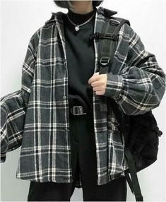 Oversized Flannel Outfits, Flannel Shirt Outfit, Flannel Over Hoodie, Neo Grunge, Grunge Style, Outfits Con Camisa, Estilo Dark, Look Blazer, Baggy Clothes