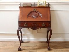 Furniture Delicious Great Federal Mahogany American Made Heavily Carved Round Table 19th C.
