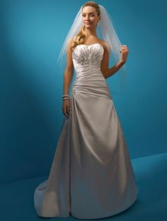 (NO.031070 )2011 Style -line Strapless Sleeveless Chapel Train Satin Wedding Dress For Brides