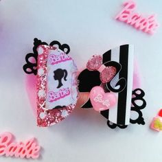 Barbie Bow, Barbie doll, Barbie Girl, faux leather bow, glitter bow by LilySparklesBoutique on Etsy Ribbon Flower Tutorial, Hair Bow Tutorial, Headband Tutorial, Ribbon Hair Bows, Diy Hair Bows, Barbie Girl, Rainbow Loom Charms, Handmade Hair Bows, Ribbon Sculpture