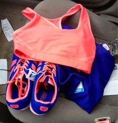 vêtements et accessoires pour femmes de Nike / Nike clothing and accessories for women