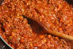 This Rich & Delicious Ragu Sauce Can Transform Even The Most Basic Pasta Dish Into Something Truly Amazing…. This Ragu Sauce is made with Braised Beef and an all-time Italian Pressure Cooker Chilli, Pressure Cooker Recipes, Pesto, Ragu Bolognese, Spaghetti Bolognese, Pasta Recipes, Cooking Recipes, Freezer Cooking, Chili Recipes