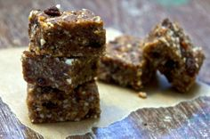 Raw date and almond bars - the best bars ever!