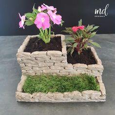 Diy Crafts Hacks, Diy Home Crafts, Diy Arts And Crafts, Cement Art, Concrete Crafts, Garden Art, Garden Design, Cement Flower Pots, Diy Concrete Planters
