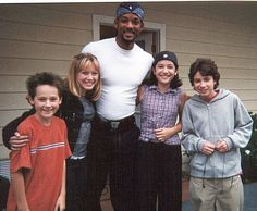 YOU HAVE THE GREATEST PICTURE EVER TAKEN: | A Reminder That The Cast Of Lizzie McGuire Once Hung Out With Will Smith