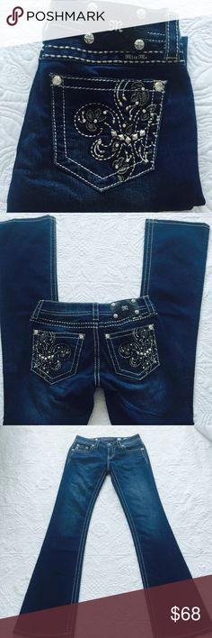 """Miss me jeans New without tag. ️Size 27, inseam 34%, rise 7.5"""", waist 30"""", 72% cotton, 27% polyester, 1% elastane. Price is firm Miss Me Jeans Boot Cut"""