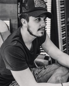 Luan Santana em estúdio