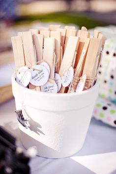 New honey wedding favors guest gifts 11 Ideas Summer Wedding Favors, Honey Wedding Favors, Creative Wedding Favors, Inexpensive Wedding Favors, Elegant Wedding Favors, Custom Wedding Favours, Edible Wedding Favors, Wedding Gifts For Guests, Cheap Favors