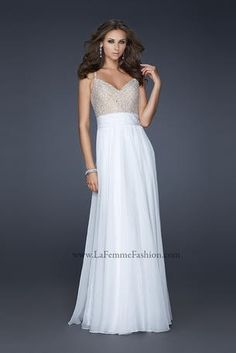 wedding guest outfits: http://www.facefinal.com/2013/06/beautiful-wedding-dresses-for-your_6.html