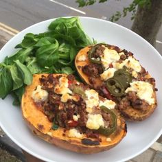 """""""Wooooo the Royal Baby it's a girl Why don't you celebrate with these tasty McLean sweet potato and Turkey mince boatengs The sweet…"""" Low Calorie Recipes, Easy Healthy Recipes, Healthy Dinners, Healthy Foods, Joe Wicks Lean In 15, Joe Wicks Recipes, Clean Eating Alice, Turkey Mince, Clean Diet"""