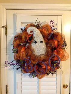 Halloween wreath poly deco mesh BOO wreath by LindsaySextonDesigns Halloween Mesh Wreaths, Halloween Items, Deco Mesh Wreaths, Holiday Wreaths, Fall Halloween, Halloween Crafts, Halloween Decorations, Wreath Crafts, Diy Wreath