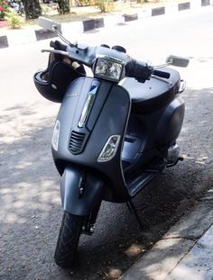 """See 331 photos and 9 tips from 8312 visitors to Jakarta Selatan. """"One of the best part of Jakarta"""" Piaggio Vespa, Vespa Scooters, Scooter Motorcycle, Motorcycle Style, Fake Life, Cartoon Jokes, Vintage Modern, My Ride, Jakarta"""