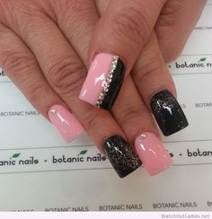 Botanic nails pink, black and diamonds