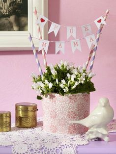 Muttertag: Geschenke zum Selbermachen With our DIY ideas, Mother's Day will be unforgettable. Here are almost 30 ideas for do-it-yourself gifts. Diy Mothers Day Gifts, Mother Gifts, Diy Gifts, Gifts For Mom, Mother Mother, Diy Birthday, Birthday Gifts, Balloon Birthday, Diy Cadeau Maitresse