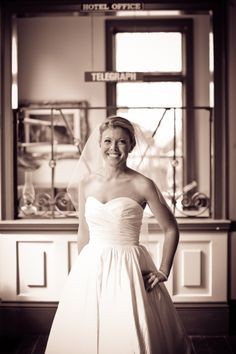 Sarah got ready in the Victorian Room of the Ohio Village Church.  Such a great space for those pre-ceremony photos!  Columbus Ohio Wedding Venue | Ohio Village Wedding