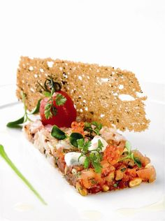 No podrás parar. Salmon Recipes, Salmon Food, Weird Food, Fish Dishes, Food Decoration, Creative Food, Food Design, Food Presentation, Food Plating