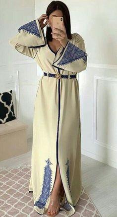 Morrocan Fashion, Morrocan Dress, Oriental Fashion, Moroccan Caftan, Abaya Fashion, Muslim Fashion, Fashion Outfits, Abaya Mode, Hijab Stile