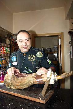 Nico Jiménez, récord Guinness de la loncha de ibérico más larga del mundo