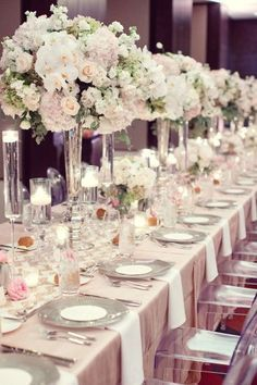 Floral Wedding Centerpieces Planning and Tips - Love It All Unique Wedding Centerpieces, Wedding Reception Table Decorations, Wedding Reception Seating, Wedding Table Settings, Centerpiece Ideas, Wedding Ceremony, Hymen, Christmas Trends, Deco Table