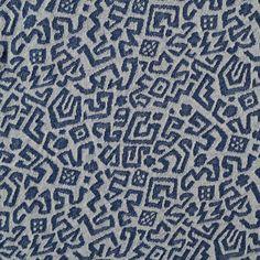 Dikkere tricot/sweat van La Maison Vicotr in de kleur blauw met gebroken wit.
