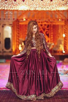 Show off your sophisticated trendsetting style by wearing these stunning outfit. For more inquiries DM us 👈… Pakistani Mehndi Dress, Pakistani Formal Dresses, Pakistani Wedding Outfits, Pakistani Dress Design, Indian Dresses, Velvet Dress Designs, Beautiful Dresses, Nice Dresses, Gorgeous Dress