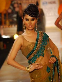 Bridal Wear Indian Color Combos Couture Week Ideas For 2019 Indian Bridal Lehenga, Indian Bridal Fashion, Indian Attire, Indian Outfits, Manish Malhotra Bridal Collection, Indian Colours, Modern Saree, Pakistan Fashion, Couture Week